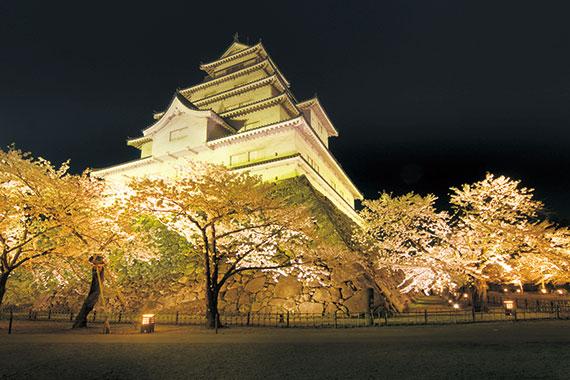 会津・鶴ヶ城ライトアップ