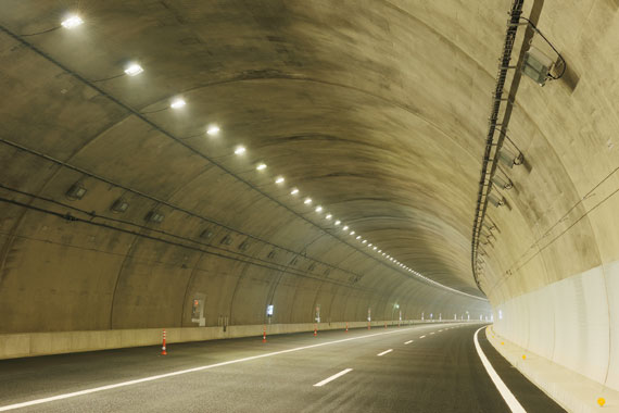西郷トンネル(上り)