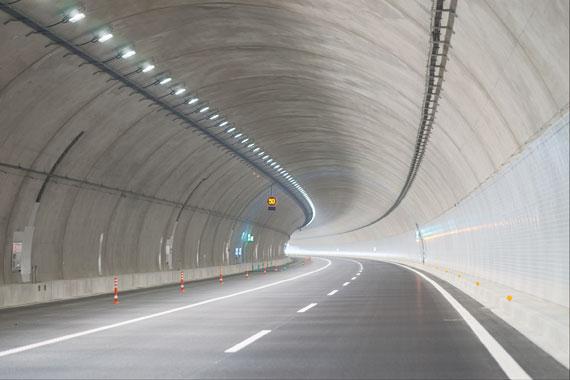 引佐トンネル